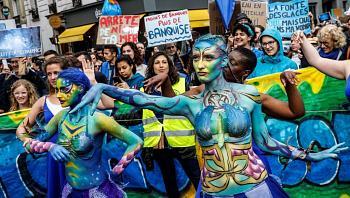 Paris makes a splash for World Oceans Day