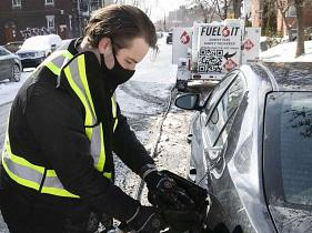 Montreal company Fuel It fills your gas tank chez vous