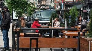 Bar terrasses reopen in Montreal with restrictions that may be tough to enforce during playoff hockey