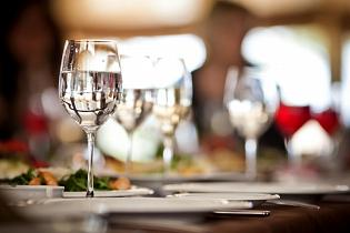 Despite Relaxed Measures, Montreal Restaurants Still Fighting To Regain Profitability